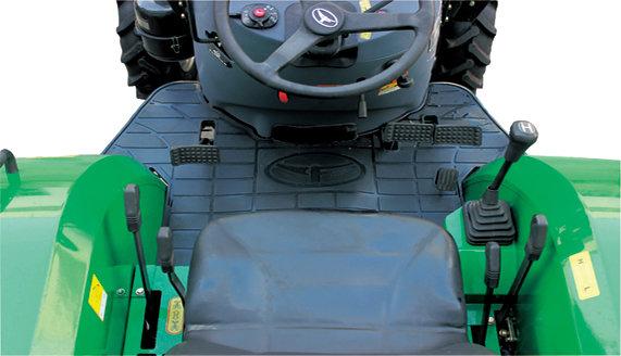 常发CFC454轮式拖拉机操作空间大