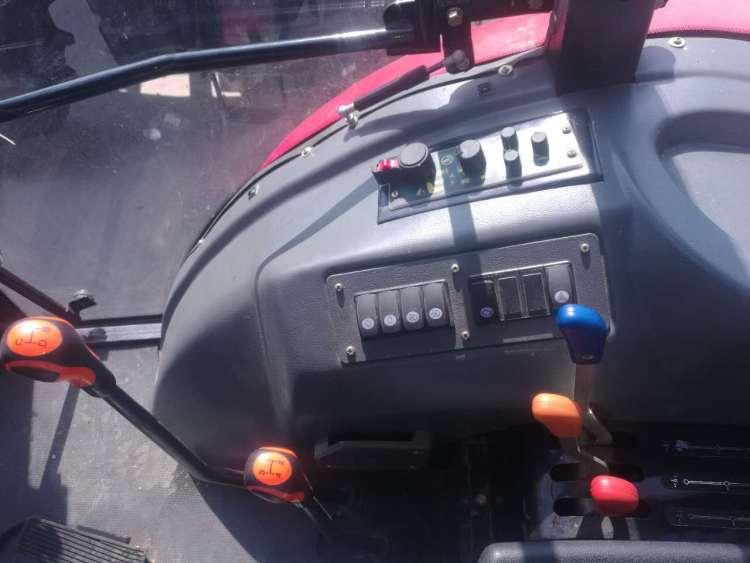 山拖泰山MG1804拖拉机细节