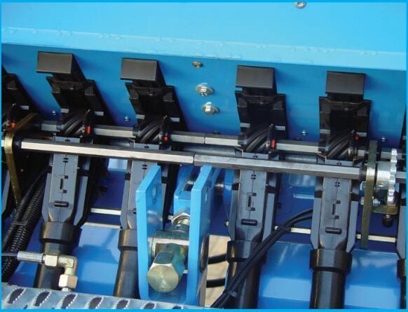 德國雷肯(LEMKEN)薩菲爾Saphir 7機械式精量播種機電機中央的絲杠
