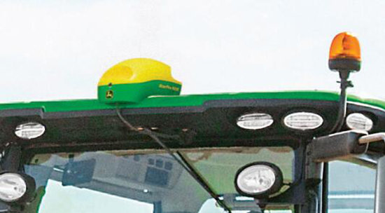 约翰迪尔8400青贮收获机自动导航系统