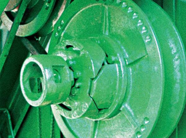 约翰迪尔W80(原1048)联合收割机无级变速结构
