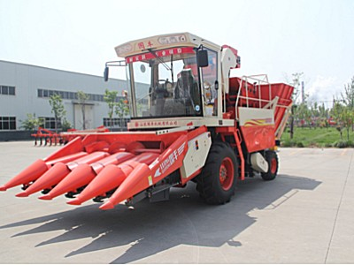 山東國豐4YZP-4H自走式玉米收獲機