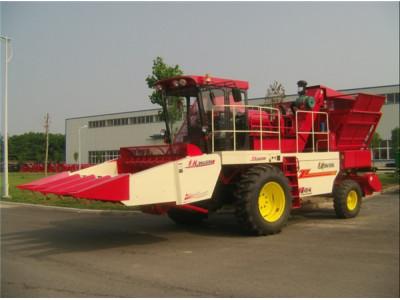 中联收获4YZ-4A自走式玉米收获机