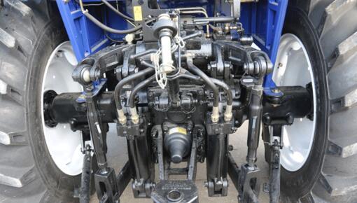 雷沃欧豹M1000-D拖拉机细节