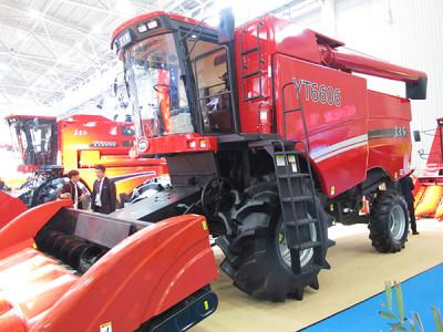 东方红4YZ-6(YT6606)玉米籽粒收获机