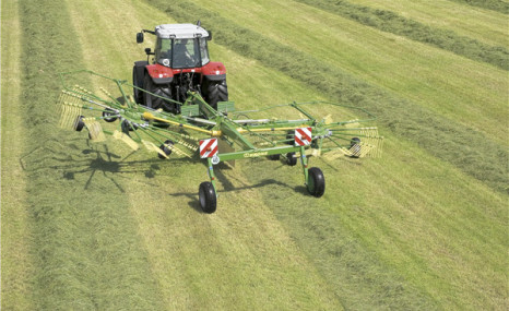 科羅尼Swadro800水平耙式摟草機