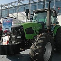 華夏2204輪式拖拉機