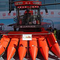 山東國豐4YZ-5型自走式玉米籽粒收獲機