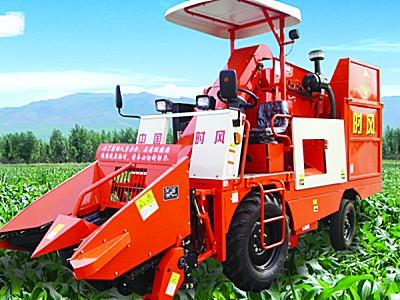 山东时风4YZP-2D自走式玉米收获机