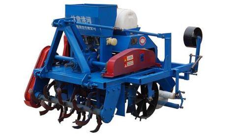 洮河2M-1A起垄施肥覆膜机