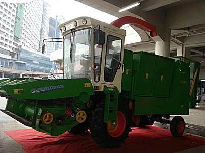 乐为农4YZQ-4B自走式玉米收获机