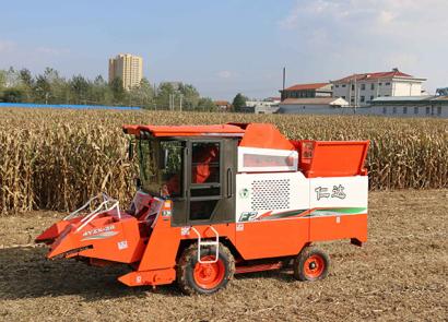 仁達4YZX-2C自走式玉米收割機