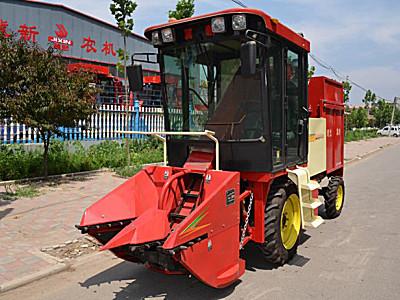河北冀新4YZ-2A2(剥皮型)玉米收割机