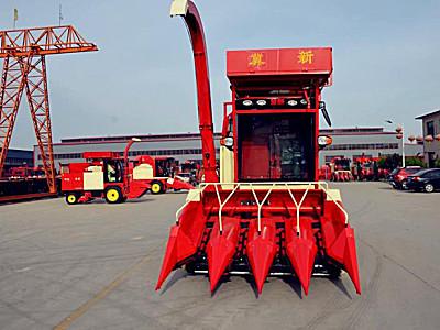 河北冀新4YZBQ-4L自走式玉米收获机