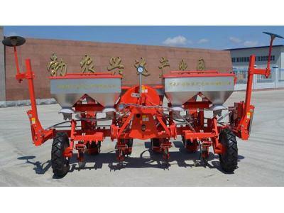勃農2BFMQ-4型免耕施肥播種機