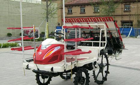 濰河2ZG-6乘坐式高速插秧機