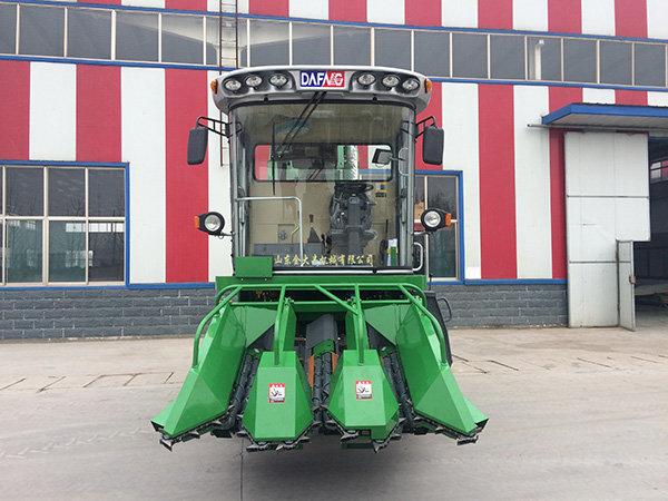 金大丰4YZP-3D自走式玉米收获机