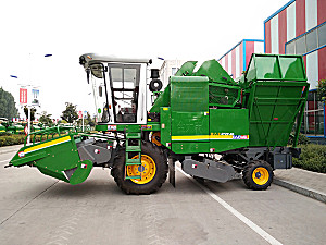 金大丰4YZP-4D玉米收获机