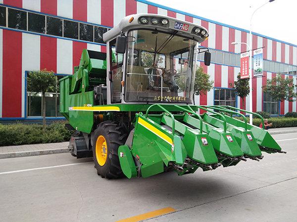 金大丰4YZP-4F自走式玉米收获机