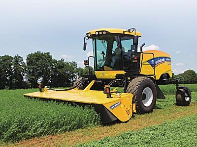 紐荷蘭SR130自走式割草壓扁機