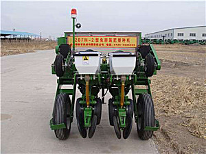白城新农2BFM-2免耕施肥播种机