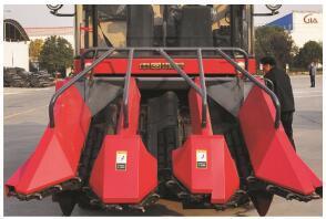 东方红4YZ-3D1自走式玉米收获机割台