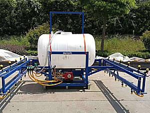 博洛尼3WPX-700悬挂式喷杆喷雾机