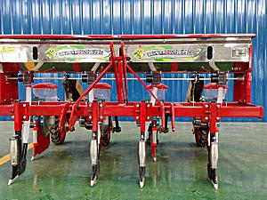 驻马店中农2BYSF-4玉米施肥穴播机