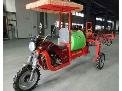 鄭州蘭博爾3wp-300型自走式噴桿噴霧機