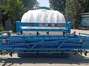 济宁圣地3WPX-450悬挂式喷杆喷雾机