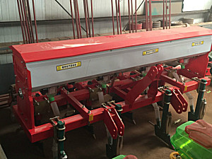 任丘振华2BYF-4玉米免耕施肥播种机