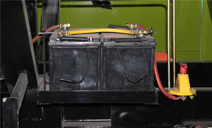 金大丰收获机的价格_金大丰4QZ-220青贮饲料收获机-金大丰收获机-报价、补贴和图片