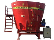 德宇9TMRL-10立式飼料攪拌機
