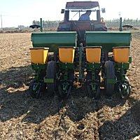 中雷火2BJ-470B玉米免耕精量播种机