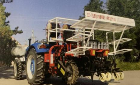 南京農機所2ZXS-2西甜瓜鋪管鋪膜坐水移栽復式作業機