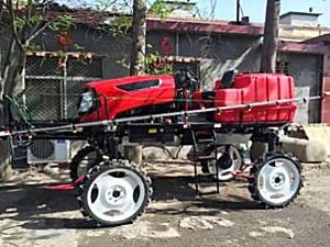 青州鑫沃3WPZ-700型自走式喷杆喷雾机