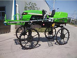 航宇塑胶3WPZ-700自走式喷杆喷雾机