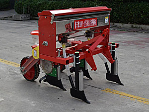 河南豪丰2BMFY-2玉米免耕施肥播种机