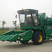 常发4YZB-4玉米收获机