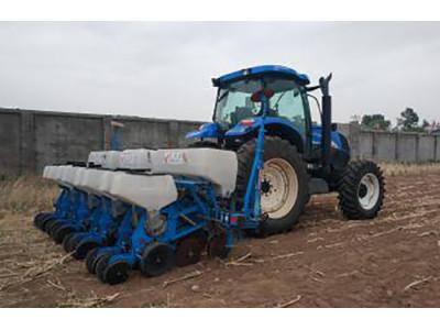 贝克锐斯2BFQ-8型免耕精密播种机