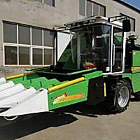 富农4YZ-4玉米收获机