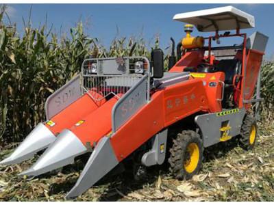 遼寧實豐4YZ-2C型自走式玉米收獲機
