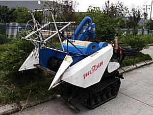 富牌农机4LZ-0.6全喂入履带自走式谷物联合收割机