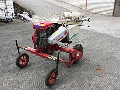 小金刚2ZBZ-1A型自走式烟草蔬菜移栽机