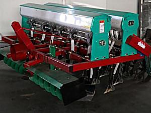 博玩2BMF-12/6型小麦宽苗带施肥播种机