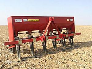 宁夏利农2FXC-220型硒砂瓜松砂施肥机