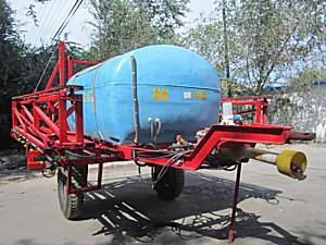 宏泉3WP-3000型喷杆式喷雾机