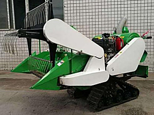 重庆盈丰民4LZ-0.6A型小型收割机