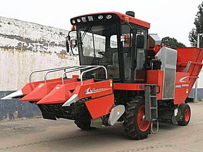 山东巨明4YZP-3B1自走式玉米收获机