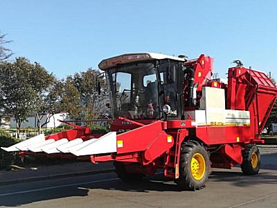 雷沃谷神4YZ-5B2自走式玉米收获机